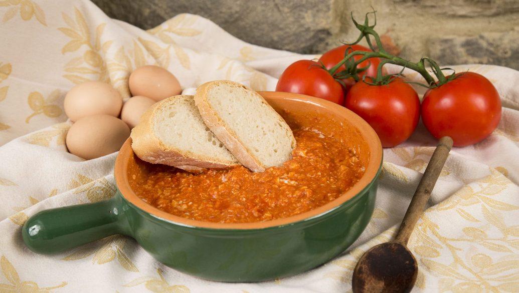 Uova e pomodoro - Ricette tipiche cortonesi   Cortonaweb