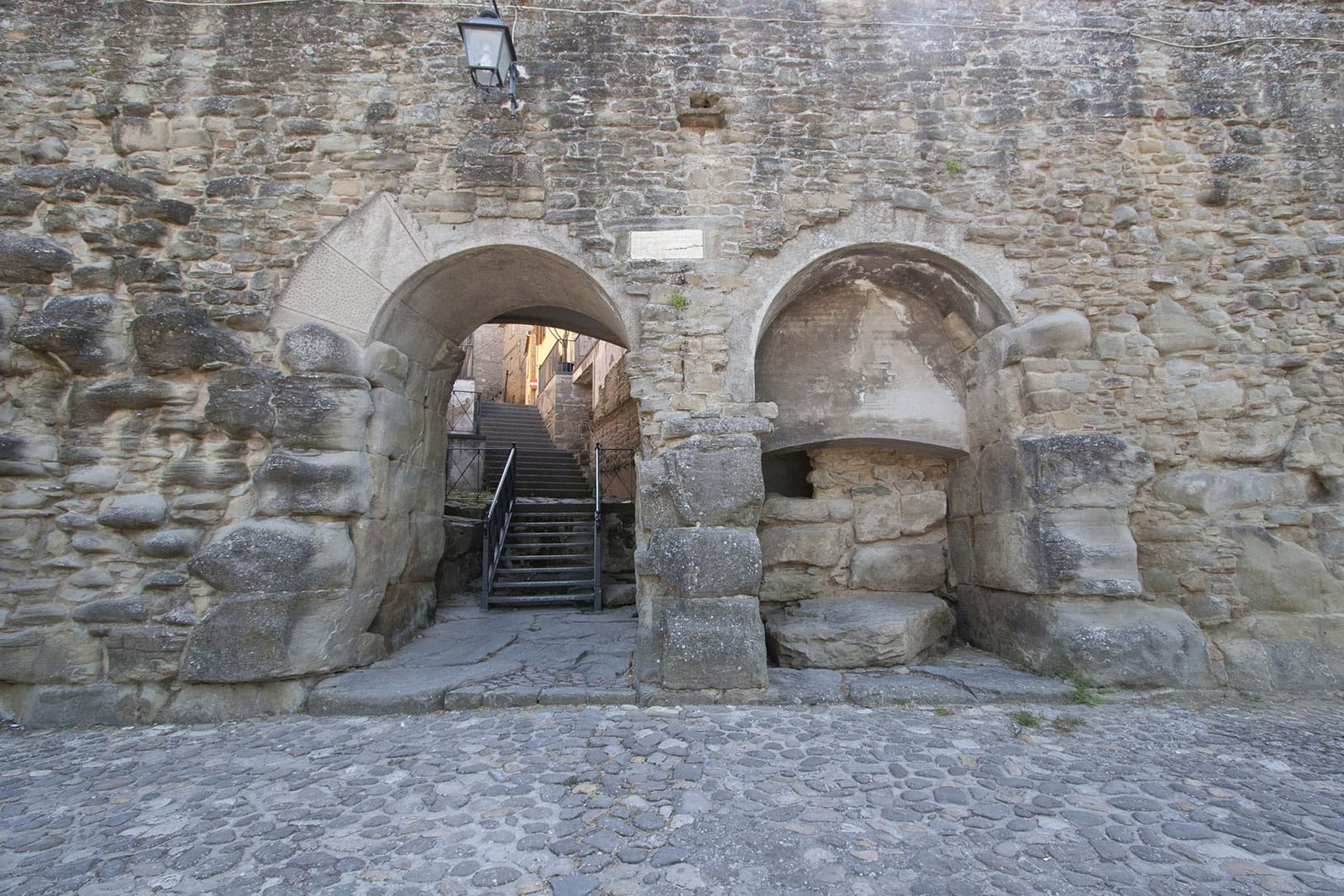 Porta Bifora, Cortona